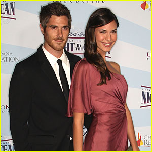 Dave Annable &amp; Odette Yustman: Engaged!