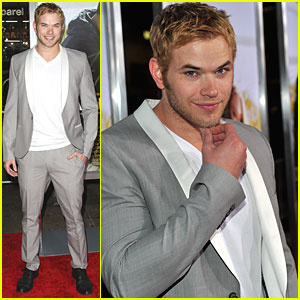 Kellan Lutz Checks Out 'Dear John'