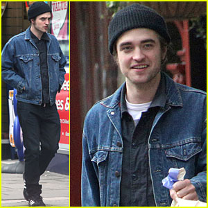 Robert Pattinson Stocks Up On Boxer Briefs