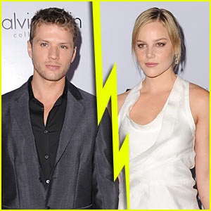 Ryan Phillippe Splits with Abbie Cornish