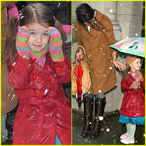 Suri Cruise Tastes The Snow