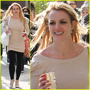 Britney Spears Shops At Glendale Galleria