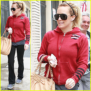 Hilary Duff Works It Out in Hollywood