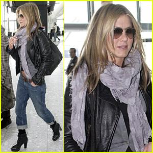 Gerard Butler: Jennifer Aniston Is Like Family