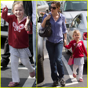 Jennifer Garner & Violet Afflect: Gelson Girls