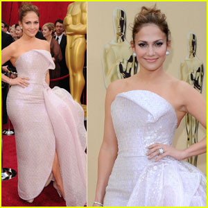 Jennifer Lopez  Carpet on Jennifer Lopez     Oscars 2010 Red Carpet   2010 Oscars  Jennifer