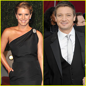 Jeremy Renner: I Didn't Hit on Jessica Simpson!