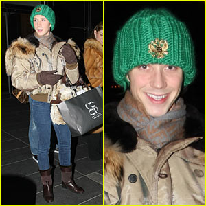 Johnny Weir: Columbus Circle Shopping Spree!