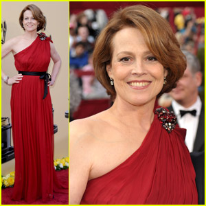 Sigourney Weaver -- Oscars 2010 Red Carpet