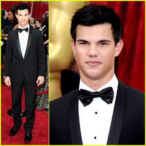 Taylor Lautner -- Oscars 2010 Red Carpet
