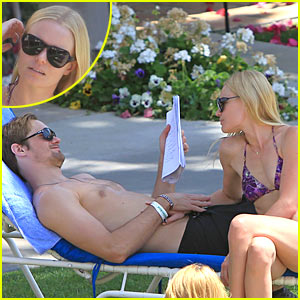 Kate Bosworth &#038; Alexander Skarsgard: Poolside PDA