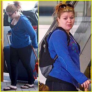 Kelly Clarkson: Malaysia Take-Off!