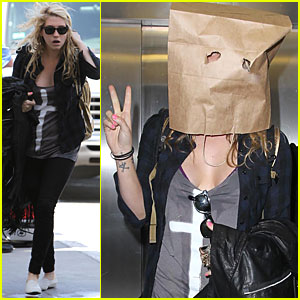 Ke$ha: Paper Bag Head!