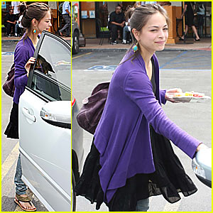 Kristin Kreuk: Fruit Salad Saturday