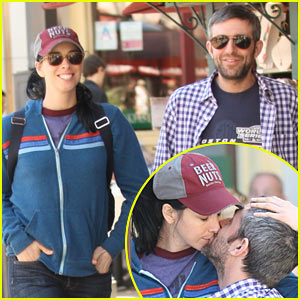 Sarah Silverman & Alec Sulkin: Kissing Couple