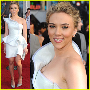 Scarlett Johansson Pumps Some Iron