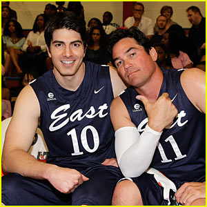 Dean Cain & Brandon Routh: Basketball Supermen!