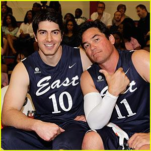 Dean Cain & Brandon Routh: Basketball Supermen!