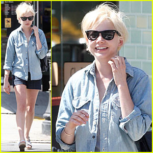 Michelle Williams: New Cropped Hairdo!