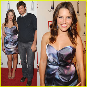 Sophia Bush & Austin Nichols: Red Carpet Couple