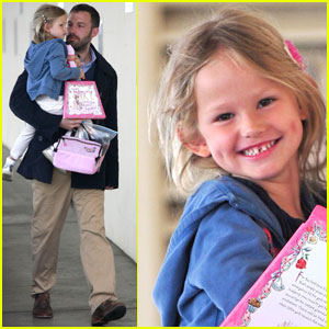 Violet Affleck: Smiling Sweetie!