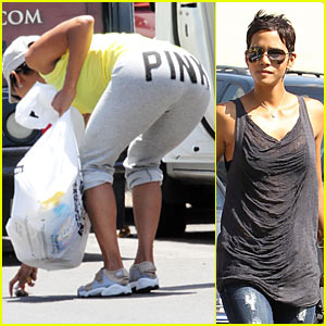 Halle Berry has a Pink Butt