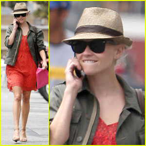 Reese Witherspoon is Fedora Friendly