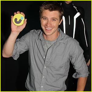 Garrett Hedlund Interview -- JustJared.com Exclusive