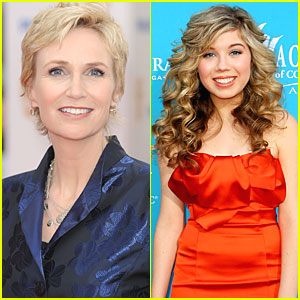 Jane Lynch: Guest Starring on 'iCarly'!