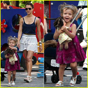 Jessica Alba & Honor Warren: Paris Playground Playtime!