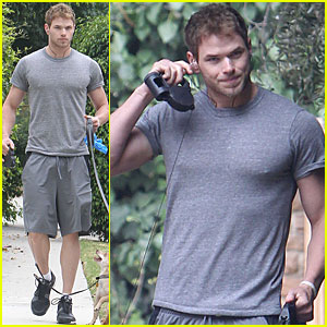 Kellan Lutz: Jogging with Kola and Kevin!