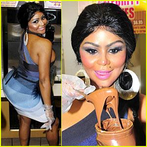 Lil' Kim: Queen Honey Bee Milkshake!