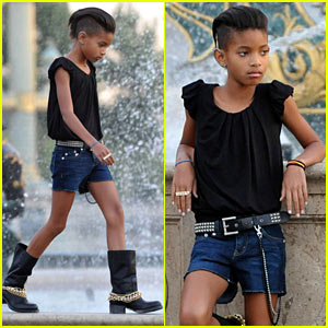 Willow Smith: Trocadero Metro Station Photo Shoot!