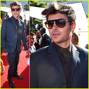 Zac Efron: ESPY Awards in Sunglasses!