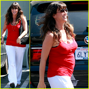 Alanis Morissette: Baby Bump Workout!