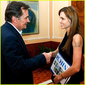 Angelina Jolie: Bosnian War 'Love Story' Film In The Works!