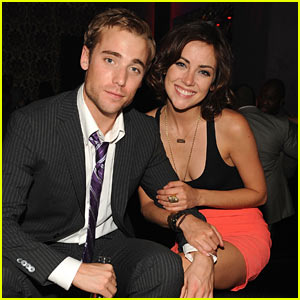 Dustin Milligan & Jessica Stroup Split?