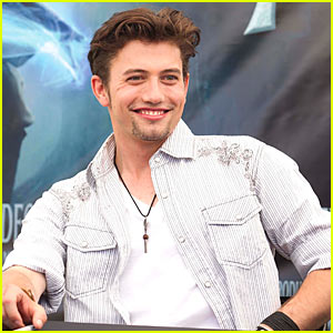 Jackson Rathbone Joins 'No O