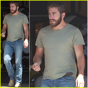 Jake Gyllenhaal: Motorcycle at Midi!