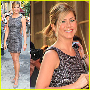 Jennifer Aniston Switches Up The Daily Show