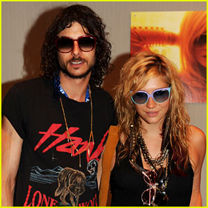 Ke$ha & Alex Carapetis: Lollapalooza Lovers!