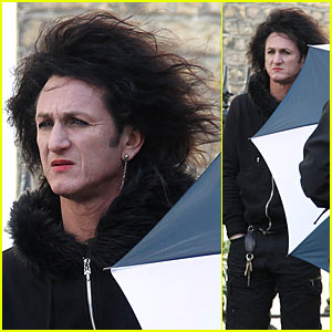 Sean Penn: Lipstick and Long Hair!