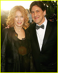 Cameron Crowe & Nancy Wilson File For Divorce