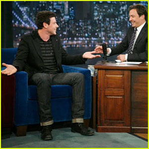 Cory Monteith Sings Backwards on Jimmy Fallon!
