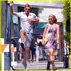 Dianna Agron &#038; Alex Pettyfer: BeverLiz Cafe Couple