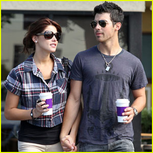 Joe Jonas & Ashley Greene: Coffee Couple