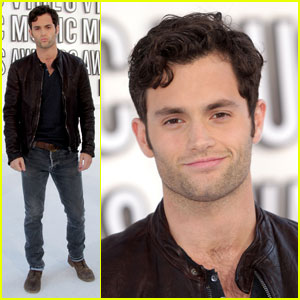 Penn Badgley - MTV VMAs 2010 Red Carpet