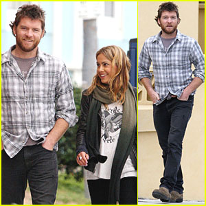 Sam Worthington & Natalie Mark: Strolling in Sydney