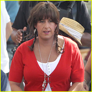Adam Sandler Crossdresses for 'Jack and Jill'