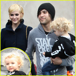 Ashlee Simpson & Pete Wentz: Robertson Blvd With Bronx!